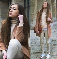 Andreea  M. - \\pale. peach. copper