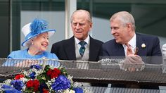 Queen Elizabeth II, Prince Philip, Duke of Edinburgh and Prince Andrew, Duke of York watch the racing from the balcony of the Royal Box as they attend Derby Day during the Investec Derby Festival at Epsom Racecourse on June 2016 in Epsom, England. Princess Beatrice, Princess Eugenie, Princess Anne, Prinz Andrew, Prinz Philip, 60th Birthday Messages, Virginia, Die Queen, Lady Louise Windsor