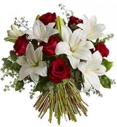 Bouquet de lys blanc et rose rouge