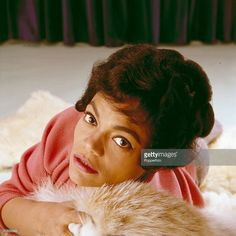 American singer and actress Eartha Kitt posed on a fur rug in Get premium, high resolution news photos at Getty Images Hollywood Glamour, Classic Hollywood, American Singers, American Actress, Black Girl Magic, Black Girls, Black Women, Kitt Shapiro, Eartha Kitt