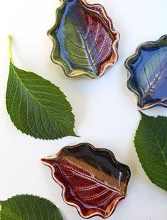 La ceramica è molto facile da aggiornare e far rendere per un elemento unico della vostra cucina. Avrà sempre un aspetto fantastico :) 20 esempi fantastici su piatti e tazze in ceramica