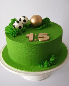 Boys 18th Birthday Cake, Soccer Birthday Cakes, Soccer Cake, Cool Birthday Cakes, Football Cakes For Boys, Piano Cakes, Patisserie Design, Birtday Cake, Recipes