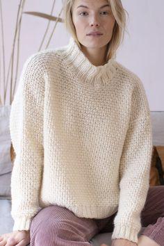 Ravelry: Popcorn Sweater pattern by Lea Petäjä Tea Cosy Knitting Pattern, Chunky Knitting Patterns, Free Knitting, Sweater Patterns, Womens Knit Sweater, Lace Sweater, Comfy Sweater, Pulls, Sweaters For Women