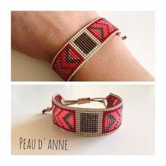 loom beading for beginners Loom Bracelet Patterns, Bead Loom Bracelets, Bead Loom Patterns, Beading Patterns, Bead Jewellery, Seed Bead Jewelry, Beaded Jewelry, Motifs Perler, Bead Crochet