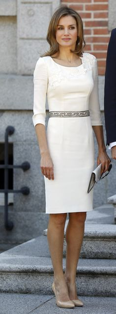 Letizia Ortiz wearing a white long sleeve midi dress and Nude Pointed toe Heels. Beauty on High Heels #Fashion