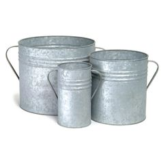 Each of these three planters by Garden Trading are crafted from galvanised steel and feature decorative handles. The perfect trio of planters to create a stunning display this set is ideal for fill...