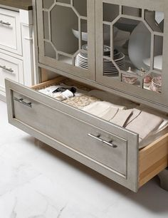 Chippendale details in modern Chinoiserie kitchen   cabinet detailCarpentry resource  Mullion Doors   Building projects   Pinterest  . Mirrored Kitchen Cabinets. Home Design Ideas