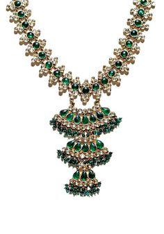 Kenneth Jay Lane http://www.vogue.fr/joaillerie/news-joaillerie/diaporama/fashion-jewelry-collection-bijoux-fantaisie-barbara-berger-editions-assouline-goossens-gripoix-balenciaga/12662/image/743915#!fashion-jewelry-bijoux-fantaisie-barbara-berger-editions-assouline-kenneth-jay-lane