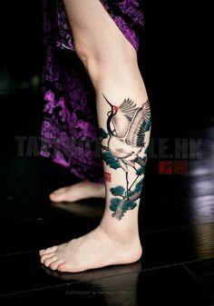 The most common type of tattoo designs is the bird tattoos. Calf Tattoo Men, Leg Tattoos, Body Art Tattoos, Sleeve Tattoos, Bird Tattoos, Anchor Tattoos, Feather Tattoos, Tattoo Mama, Tattoo Bein
