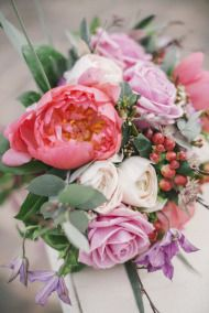 Spring Tuscan Wedding Inspiration - Style Me Pretty Flowers by Jardin Divers www.jardindivers.it @jardindivers wedding in tuscany, wedding flowers, romantic wedding, italian wedding, wedding destination, wedding in Italy, outdoor wedding, royal wedding, country wedding, wedding inspiration, wedding idea, wedding design, flower design, peach colors, rustic wedding