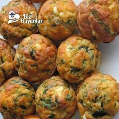 ispanakli peynirli toplar ispanakli peynirli toplar – Vejeteryan yemek tarifleri – The Most Practical and Easy Recipes Vegetarian Recipes, Cooking Recipes, Healthy Recipes, Pesto Grilled Cheeses, Good Food, Yummy Food, Sem Lactose, Albondigas, Food Platters