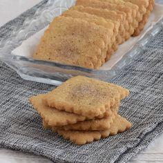 """3,481 Me gusta, 33 comentarios - Directo al Paladar (@directopaladar) en Instagram: """"🌀 GALLETAS RÁPIDAS DE CANELA SIN HUEVO 🌀  🍪 Sencillas y rápidas de preparar, estas galletas no…"""" Apple Pie, Bread, Desserts, Queso Manchego, Instagram, Gastronomia, Cinnamon Cookies, Biscuit Cake, Vegan Recipes"""