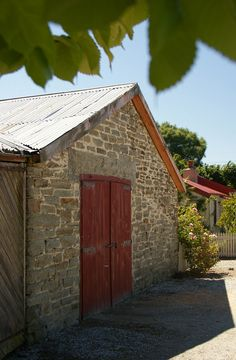 Ophir: Elm Cottage - barn (2)
