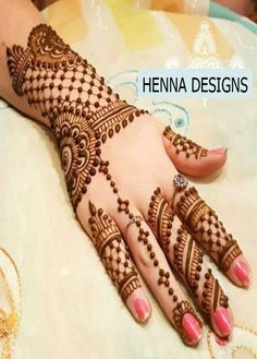In this collection we have collected most beautiful and amazing back hand mehndi designs ideas for your inspiration. You can choose your next henna design. Henna Hand Designs, Eid Mehndi Designs, Simple Arabic Mehndi Designs, Mehndi Designs For Girls, Mehndi Design Photos, Wedding Mehndi Designs, Beautiful Mehndi Design, Mehndi Patterns, Latest Mehndi Designs