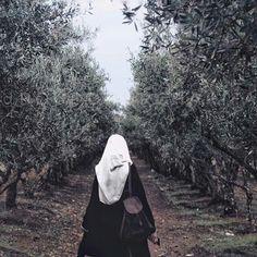 @bouddourcharifa Hijab Casual, Hijab Style, Hijab Chic, Stylish Hijab, Hijab Fashion Summer, Niqab Fashion, Hijabi Girl, Girl Hijab, Beautiful Muslim Women
