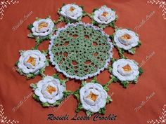 Rosieli Lessa Crochêt: Centro de Mesa de Crochê com a Flor Rosa Franzida
