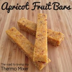 Thermomix Apricot Fruit Bars sound tasty for a lunchbox treat! Baby Food Recipes, Sweet Recipes, Snack Recipes, Cooking Recipes, Thermomix Recipes Healthy, Challah, Apricot Bars, Apricot Slice, Bellini Recipe