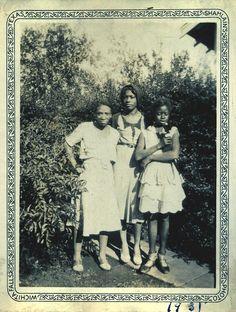 Us Girls  1931  [Ross Family Album]  Wichita Falls, TX  ©WaheedPhotoArchive, 2011