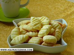 Sequilho de coco Chef Recipes, Snack Recipes, Dessert Recipes, Cooking Recipes, Snacks, Desserts, Easy Cookie Recipes, Sweet Recipes, Coco
