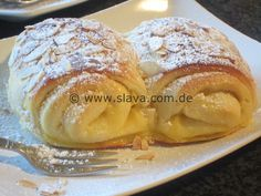 - Megasofte Vanille-Quarkröllchen « kochen & backen leicht gemacht mit Schritt f… Megasoft vanilla quark rolls «Cooking & baking made easy with step by step pictures of & with Slava - Fish Recipes, Sweet Recipes, German Baking, Gateaux Cake, Sweet Bakery, Sweet Bread, Cake Cookies, No Bake Cake, Food Porn