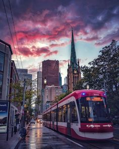 Ways On How To Take Better Landscape Photos Toronto Street, Toronto City, Toronto Travel, Landscape Photos, Landscape Photography, City Photography, Monte Carlo, Vancouver, Immigration Canada