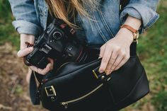 @ONAbags' Chelsea bag turns a classic bowler style into your #camera's BFF in a flash. Throw in a dash of gold because, well, why not? #onabags #style #sportique #sportiquesf