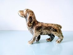 "Obtain excellent pointers on ""cocker spaniels"". They are accessible for you on our site. Cheap Dog Food, Springer Spaniel, Cocker Spaniel, High Quality Dog Food, Spaniel Puppies, Dog Items, Vintage Dog, Dog Behavior, Figurine"