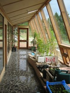 Normally, the colors utilized for contemporary decoration are neutrals, white, and black. Dark colors will earn a little room appear smaller, so remember the size of the room when choosing colors. Earthship Plans, Earthship Home, Building Green Homes, Earth Sheltered Homes, Earthy Home, Cabana, Recycled House, Passive Solar Homes, Greenhouse Interiors