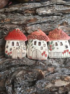 Chili, Bird, Outdoor Decor, Christmas, Manualidades, Ceramics Projects, Pottery Ideas, Birds, Insects