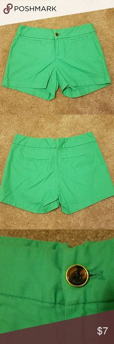 Green shorts Size 4 Banana Republic Green shorts, size 4, Banana Republic Banana Republic Shorts