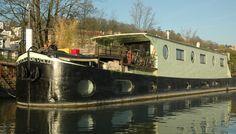 Houseboat seine