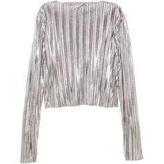 H&M Pleated Top $12.99 (€13) ❤ liked on Polyvore featuring tops, crop tops, shirts, sweaters, white crop shirt, white top, long short sleeve shirts, short crop tops and long-sleeve crop tops