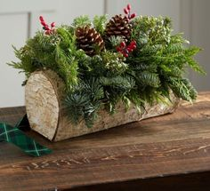 Marvelous Christmas Table Centerpiece Ideas 19 – Home Design Wedding Log Centerpieces, Christmas Table Centerpieces, Xmas Decorations, Centerpiece Ideas, Christmas Party Table, Christmas Log, Christmas Themes, Christmas Crafts, Country Christmas