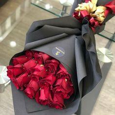 Flower Box Gift, Flower Boxes, How To Wrap Flowers, Pretty Flowers, Orange Rosen, Rosen Box, Red Rose Bouquet, Bouquet Flowers, Luxury Flowers