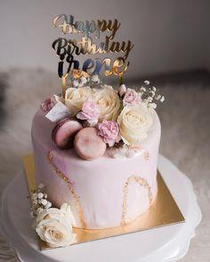 16th Birthday Cake For Girls, 14th Birthday Cakes, Elegant Birthday Cakes, Beautiful Birthday Cakes, Cool Birthday Cakes, 21st Birthday, Beautiful Cake Designs, Beautiful Cakes, Birthday Cake Decorating