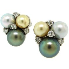 These pearl earrings make me drool
