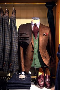 Change vest to a more faded green and switch tie for burgundy bow tie.
