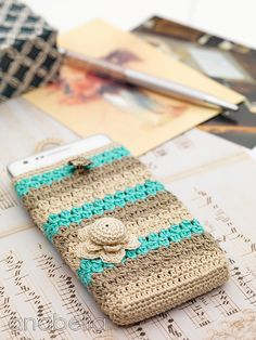 Crochet phone sleeve...could do this on a bigger scale for tablet or laptop too...love the colors