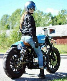 Cafe Racer Girl, Cafe Racer Style, Cafe Racer Bikes, Cafe Racer Motorcycle, Cafe Racers, Motorcycle Gear, Motorcycle Girls, Lady Biker, Biker Girl