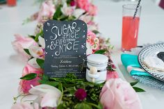 Planning a baby shower but not sure where to start? I asked a professional event planner, Kameela from @tbowties, all the important questions that every hostess needs to know. Find out what she recommends on the blog! | Top Baby Shower Tips From A Professional Event Planner | Baby Chick