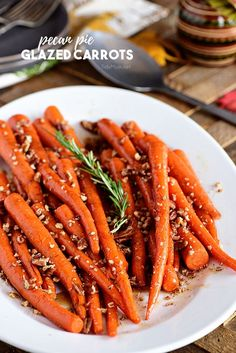 Pecan Pie Glazed Carrots are a dish with a festive holiday feel, making it ideal alongside roasted turkey. These maple-glazed carrots are as sweet as pie. Side Dishes For Ham, Dinner Side Dishes, Vegetable Side Dishes, Grilled Carrots, Cooked Carrots, Ham Dinner, Dinner Bell, Carrots Side Dish, Maple Glazed Carrots