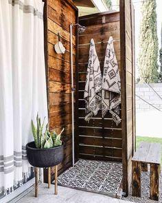 19 Outdoor Shower Ideas