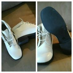 NWOT CHICORY SPORT LOW BOOTS Off white.  Faux leather. Chicory Sport Shoes