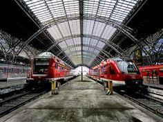 windows wallpaper train station
