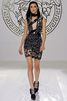 Versace Fall 2013 Ready-to-Wear Collection Photos - Vogue