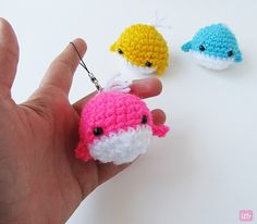 Amigurumi Whale pattern and tutorial - super cute for key chains!