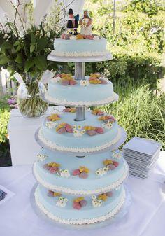 Wow, een echte zomertaart! Let ook op de madeliefjes. #bruidstaart #weddingcake Cake, Desserts, Food, Tailgate Desserts, Deserts, Kuchen, Essen, Postres, Meals