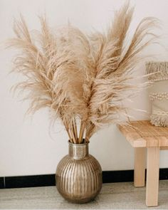 Deko Wohnung Pampas Grass for your Home or Wedding-Check out the number one Pampas Grass company on Grass Texture Seamless, Grass Decor, Living Room Decor, Bedroom Decor, Home And Deco, My New Room, Home Decor Inspiration, Decor Ideas, Dried Flowers