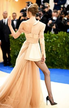 Gigi Hadid's Met Gala look is sure to get plenty of fashion girls' approval, thanks to her endorsement of one trend in particular. See her look here.