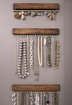 Diy Household Tips 350647520974477686 - idee rangement bijoux … Source by Closet Organization, Jewelry Organization, Organization Ideas, Diy Jewelry Organizer Wall, Ideas For Jewelry Storage, Hanging Organizer, Wooden Organizer, Diy And Crafts, Arts And Crafts